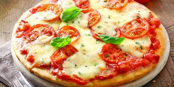 Pizza – mrożona, domowa czy z pizzerii?